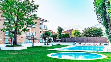 apartamento-apollo-sitges-con-piscina.jpg